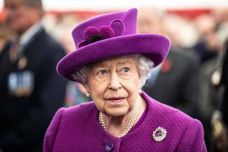 A rainha Elizabeth 2ª, que é a monarca do Reino Unido e outras 15 ex-colônias britânicas