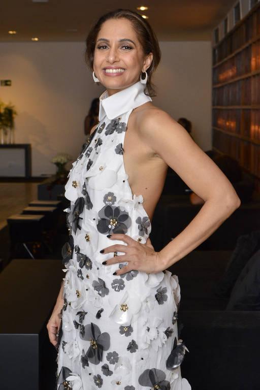 A atriz Camila Pitanga