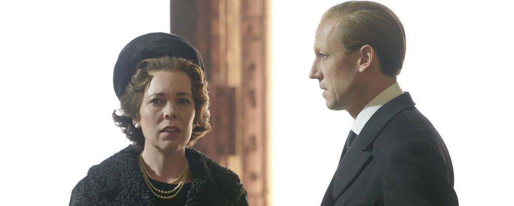 Olivia Colman e Tobias Menzies como rainha Elizabeth 2ª e o marido, Philip