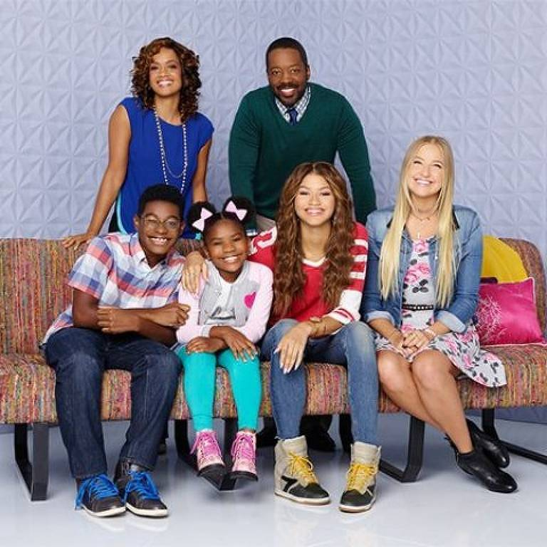 """Imagem da série """"Agente K.C."""" do Disney Channel, com Zendaya"""