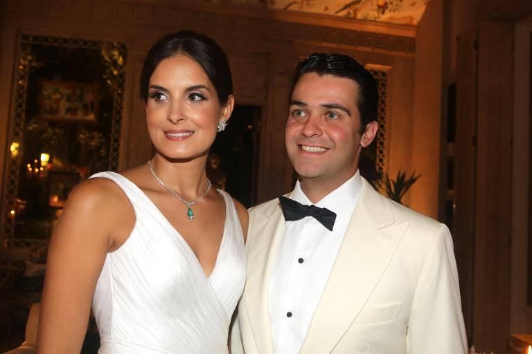 Marcela Brandão Elias e Eduardo Elias durante festa na casa do decorador Jorge Elias