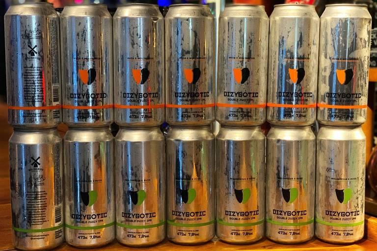 Cerveja Dizygotic, com versões das cervejarias Avós e Molinarius ORG XMIT: MvlXpvNr4rsYp5JMZXNK