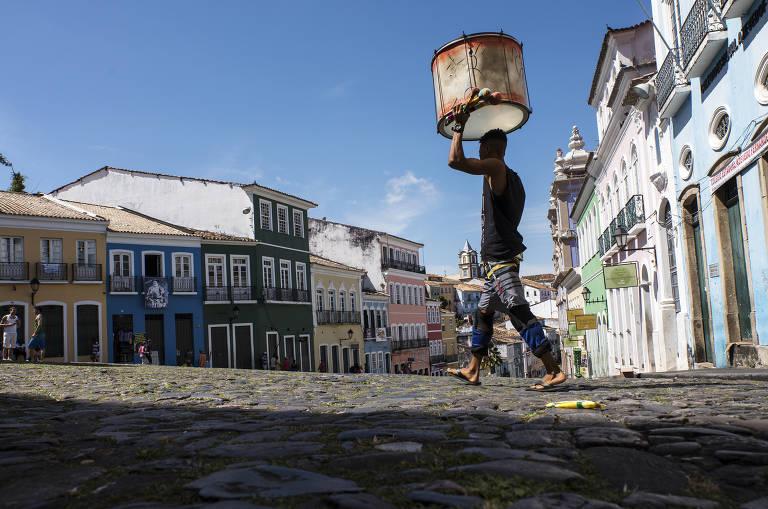 Salvador e Flórida são os destinos mais procurados no verão, diz pesquisa