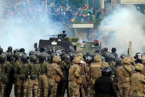 Confronto entre policiais e manifestantes deixa oito mortos na Bolívia