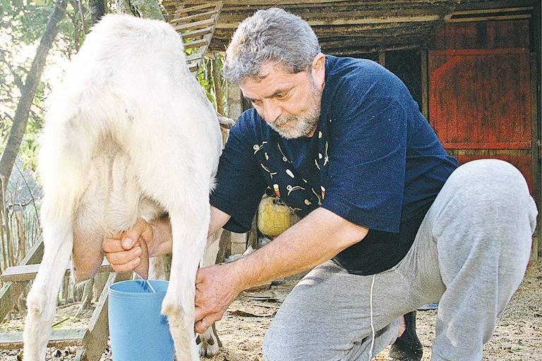 O ex-presidente Lula, em imagem de 2001, na chácara de São Bernardo do Campo