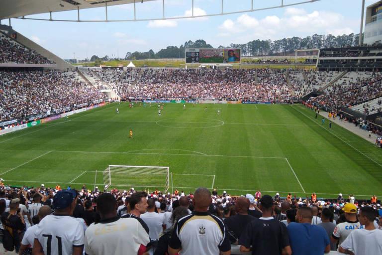 Público na Arena Corinthians bateu o recorde para o futebol feminino no país