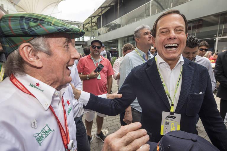 O governador de São Paulo, João Doria, ao lado do ex-piloto Jackie Stewart no paddock em Interlagos, em 2019