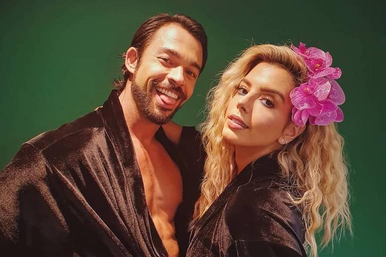 Giovanna Lancelotti e Danniel antes de dançarem salsa no Dança dos Famosos