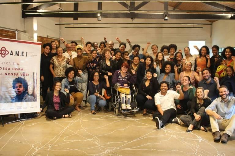 Equipe Yunus Brasil e Empreende Aí com as selecionadas do programa A.M.E.I