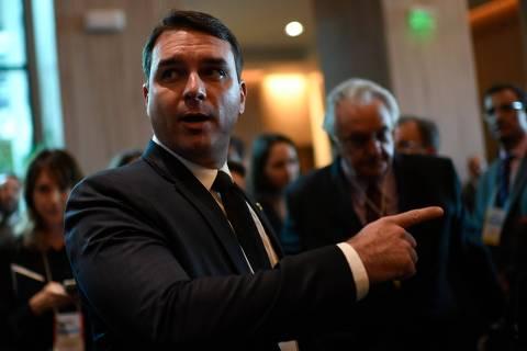 Decisão do STF sobre Coaf põe caso Queiroz em risco, mas não livra família Bolsonaro de apurações
