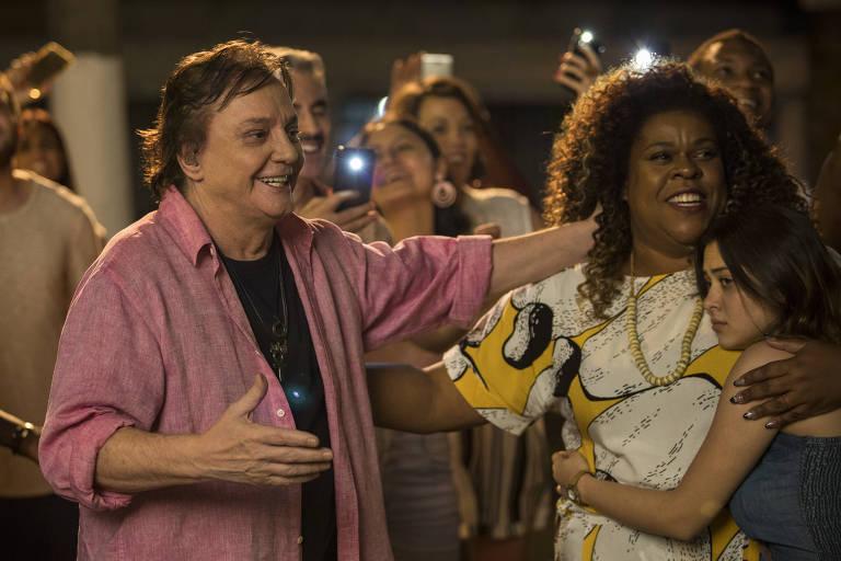 Fábio Jr. faz participação especial em 'A Sogra Perfeita'; em cena ao lado de Cacau Protásio e Polliana Aleixo