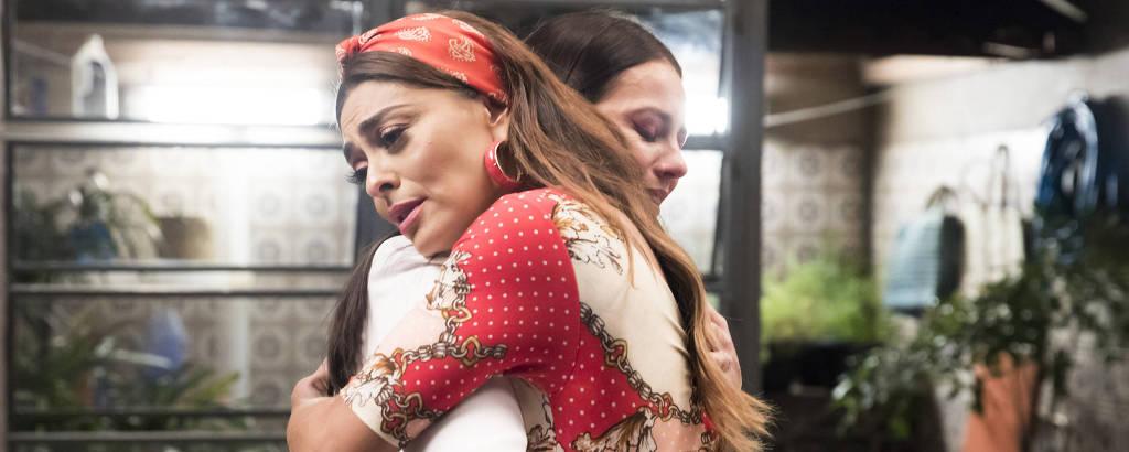Vivi ( Paolla Oliveira ) descobre que é sobrinha de Maria ( Juliana Paes ).