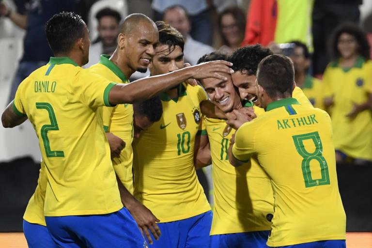 Seleção brasileira voltou a balançar as redes em uma cobrança de falta após 72 partidas