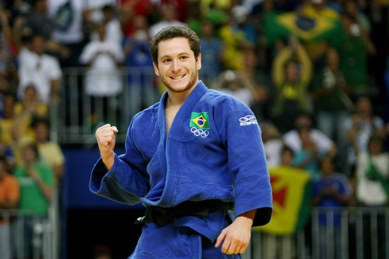 Judô brasileiro está ultrapassado, diz medalhista Tiago Camilo - 24/11/2019  - Esporte - Folha