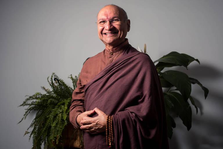 O monge budista brasileiro Choepel Rinpoche, que vive nos EUA, participa de evento sobre o cérebro, em que fala de meditação e neurociência