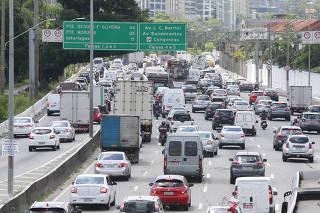 Aumento do transito na capital