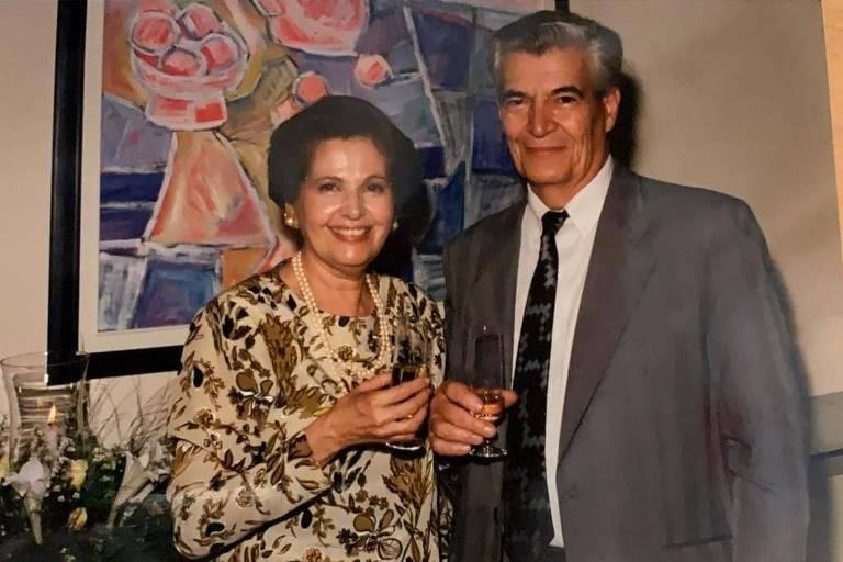O atleta e empresário Anadyr Adorno com a sua mulher, bailarina e pianista, Carmen Adorno