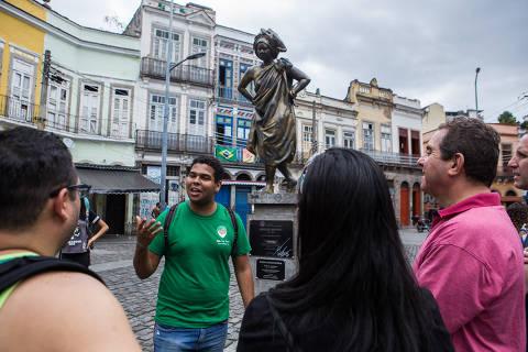 Pequena África recebe turismo que resgata história negra do Rio