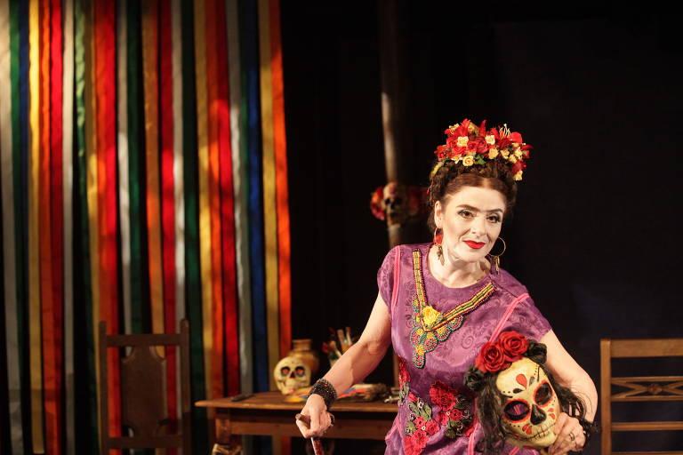 Veja fotos da peça 'Frida Kahlo - Viva la Vida'