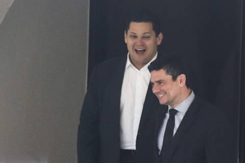 06/02/2019  O presidente do Senado, Davi Alcolumbre, e o ministro da Justiça e Segurança Pública, Sergio Moro, após reunião sobre o projeto da Lei Anticrime.  Foto: Antonio Cruz/Agência Brasil Brasilia