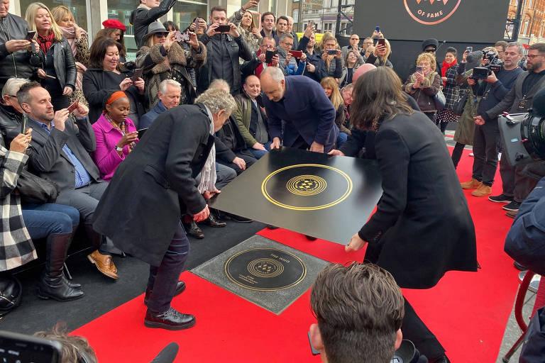 Pete Townshend e Roger Daltrey, da banda The Who, são homenageados em nova Calçada da Fama da Música em Londres