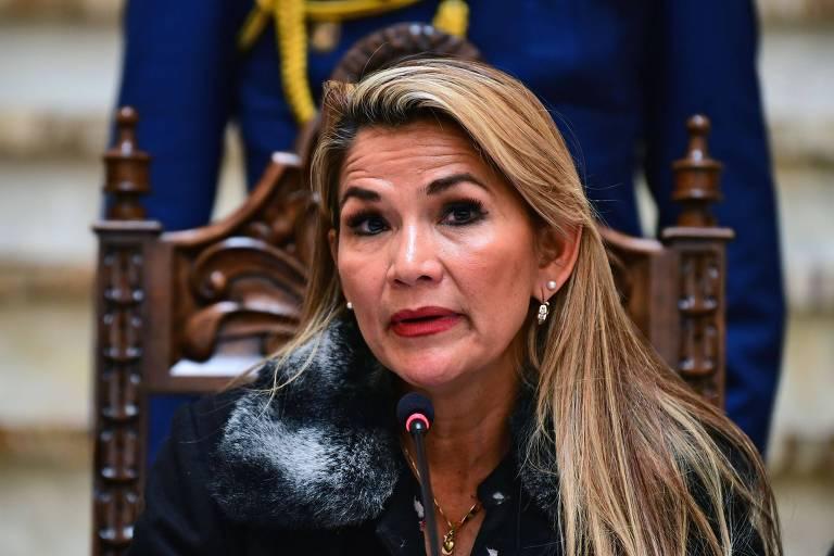 A autoproclamada presidente interina da Bolívia, Jeanine Añez, durante entrevista coletiva em La Paz
