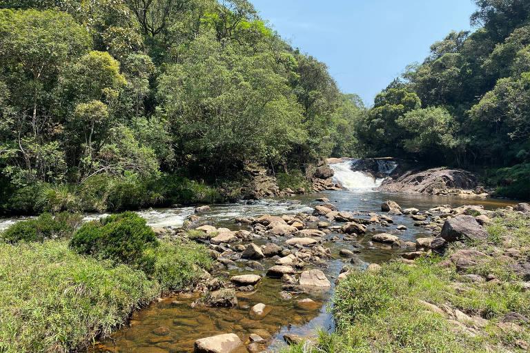 Uma das cachoeiras da trilha dos Manacás, no extremo sul da cidade