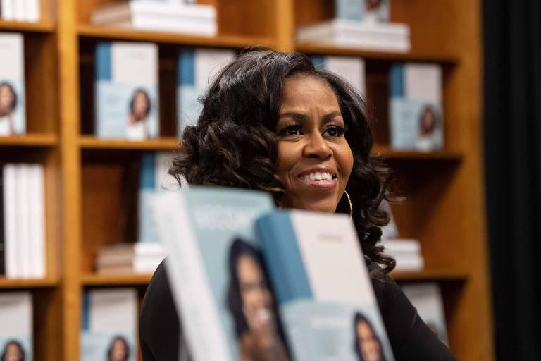 Michelle Obama encontra fãs em Washington D.C.