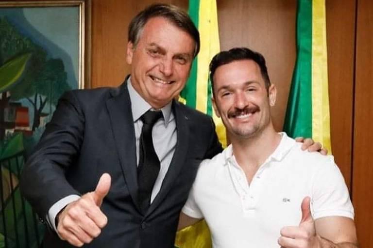 O presidente Jair Bolsonaro posta foto com o ginasta Diego Hypólito, após encontro entre os dois