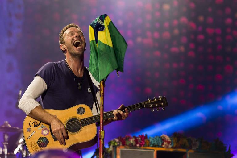 A banda inglesa Coldplay durante apresentação no Allianz Parque, em 2017