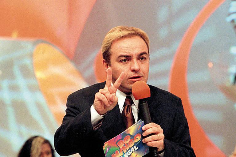 Gugu Liberato durante gravação do programa Domingo Legal, em 1997