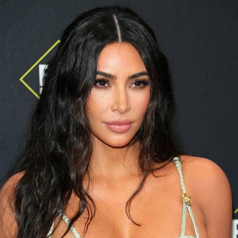 Kim Kardashian no 45º E! People's Choice Awards