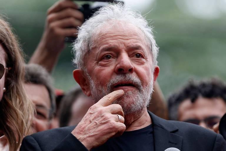 O ex-presidente Luiz Inácio Lula da Silva, em discurso um dia após deixar a prisão, em São Bernardo do Campo