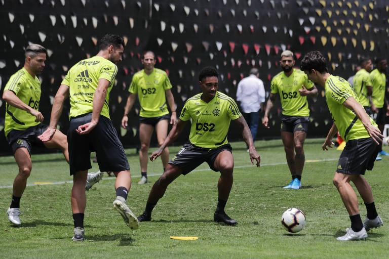 Jogadores do Flamengo durante treino em Lima, antes da final da Libertadores