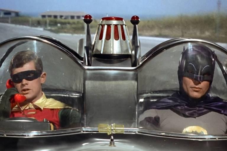 Imagens da dupla dinâmica Batman e Robin na década de 1960