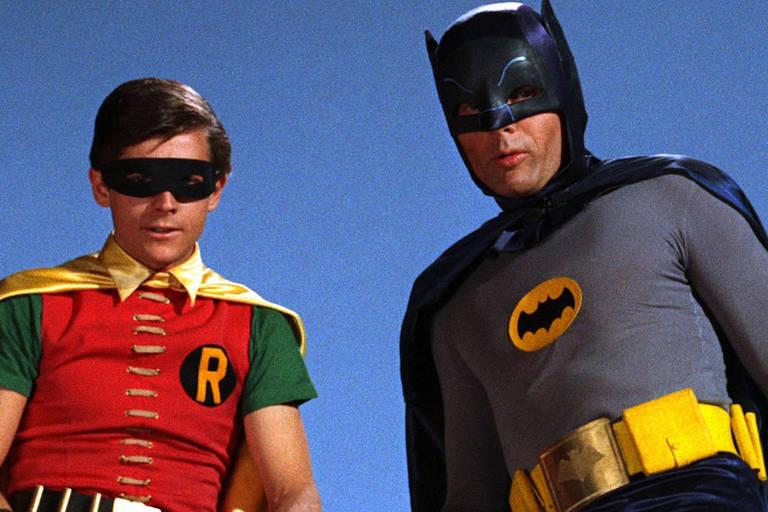 A dupla dinâmica Batman e Robin interpretada pelos atores Adam West e  Burt Ward