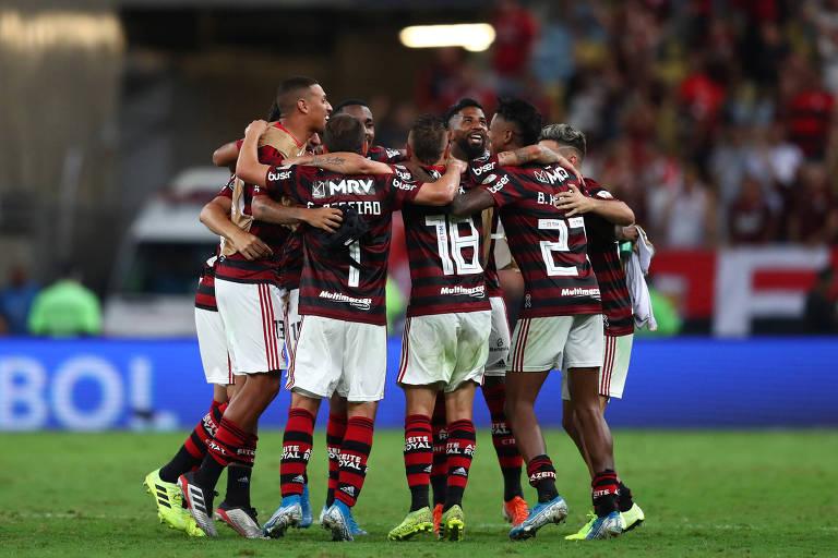 Folha De Spablo Contra O River Flamengo Busca Título De
