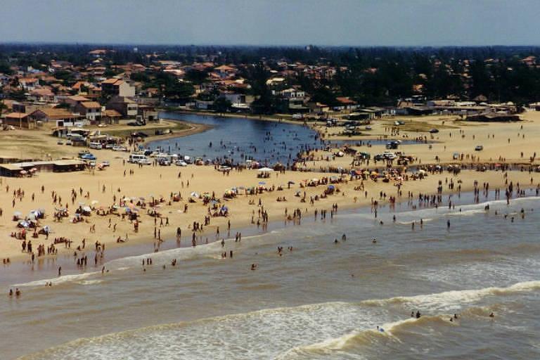 Vista da praia de Grussaí, em São João da Barra, no Rio