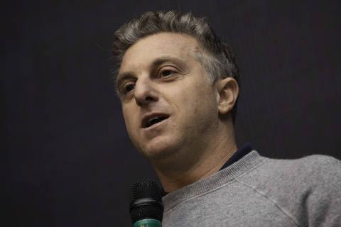 Fronteiras da decência foram ultrapassadas, diz Huck sobre insulto de Bolsonaro