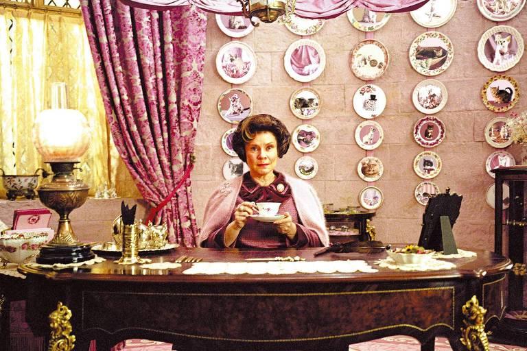 Imelda Staunton viverá rainha Elizabeth 2ª na série 'The Crown'