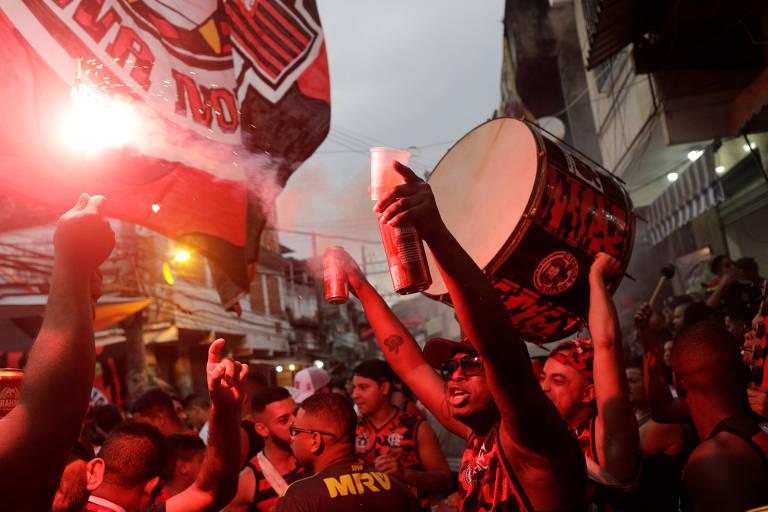 Torcida do Flamengo comemora o título da Libertadores