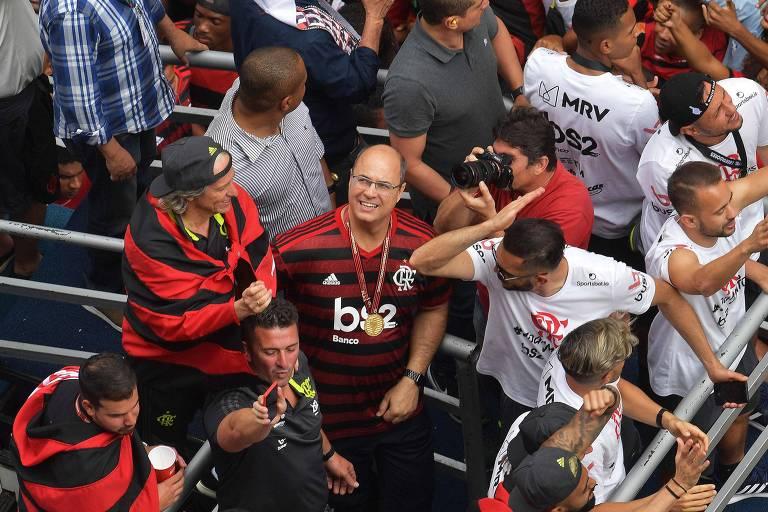 O governo do Rio de Janeiro, Wilson Witzel (ao centro), na festa da equipe rubro-negra