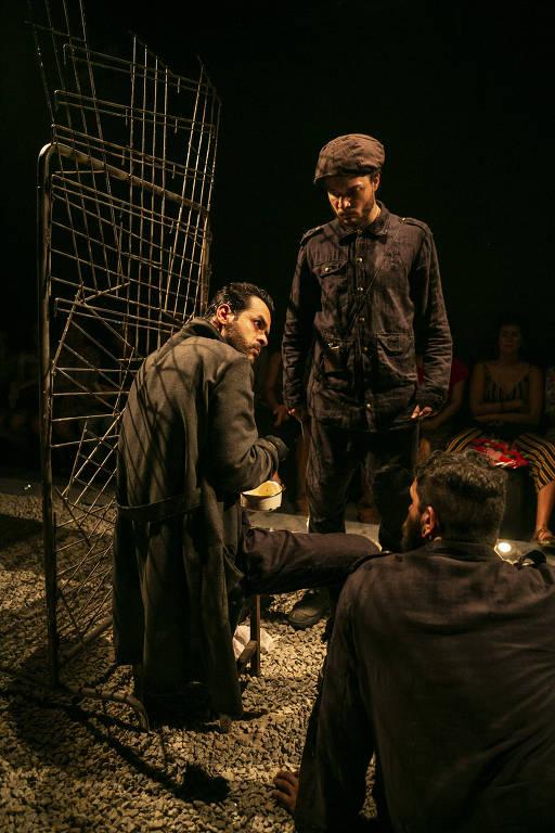 Veja fotos do espetáculo 'Desertores', em João Pessoa