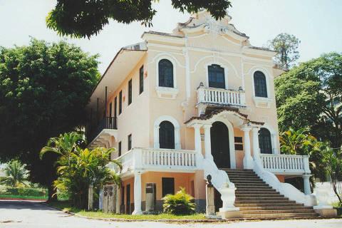 Fachada do Retiro dos Artistas, em Jacarepaguá.