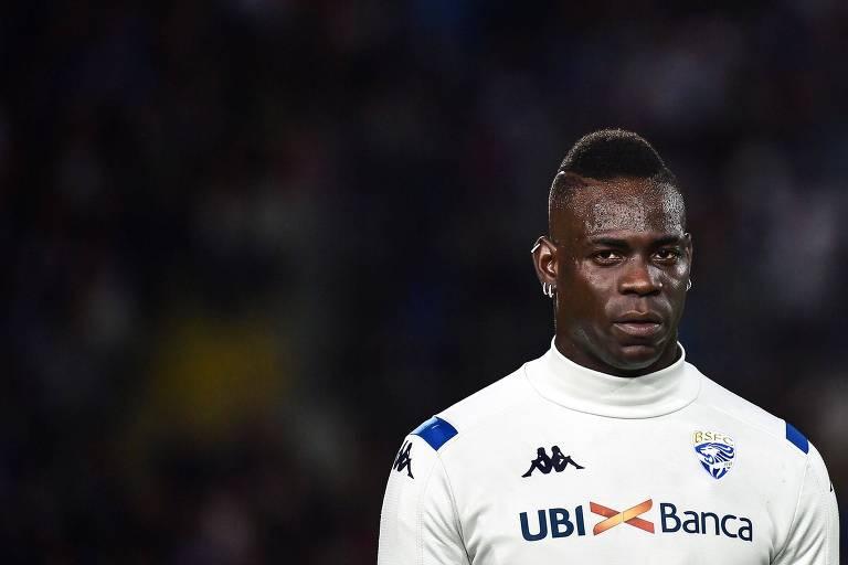 Mario Balotelli já foi alvo de racismo na atual temporada do Campeonato Italiano