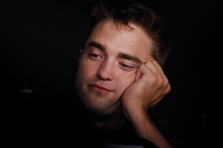 """Robert Pattinson em conferência do filme """"Maps to the Stars"""""""