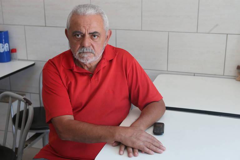 Pedro Gomes de Sousa, 65 anos, da Vila da Saúde (zona sul), conta que registrou reclamações na central de atendimento da TIM, mas não adiantou