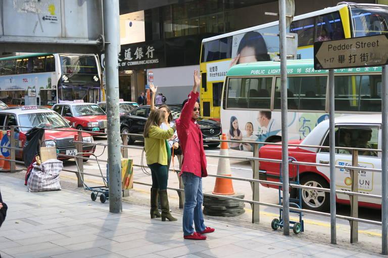 Protestos na hora do almoço em Hong Kong