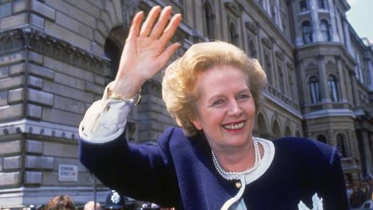 A ex-primeira-ministra do Reino Unido Margaret Thatcher é uma das muitas figuras poderosas da história que afirmaram dormir quatro ou cinco horas por noite, bem abaixo dos níveis ideais