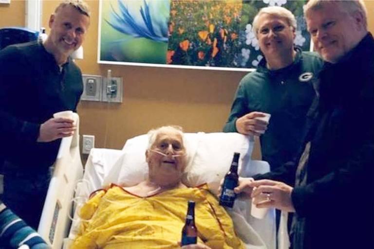 Norbert Schemm, de 87 anos, foi rodeado por seus familiares em seus últimos dias